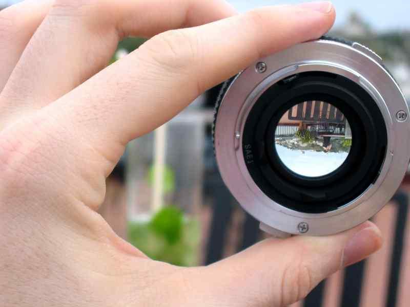Tokai Creates And Distributes Worlds Thinnest Lens